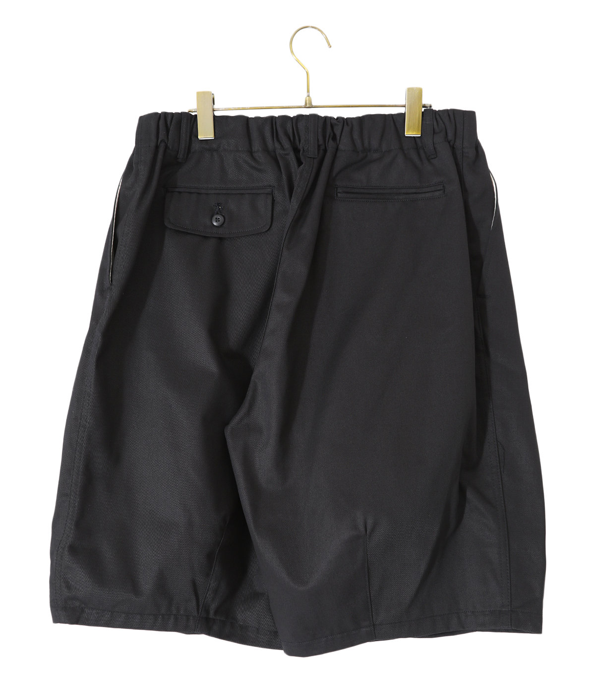 メーカースタッフ着用のため着用サイズの記載はございません。