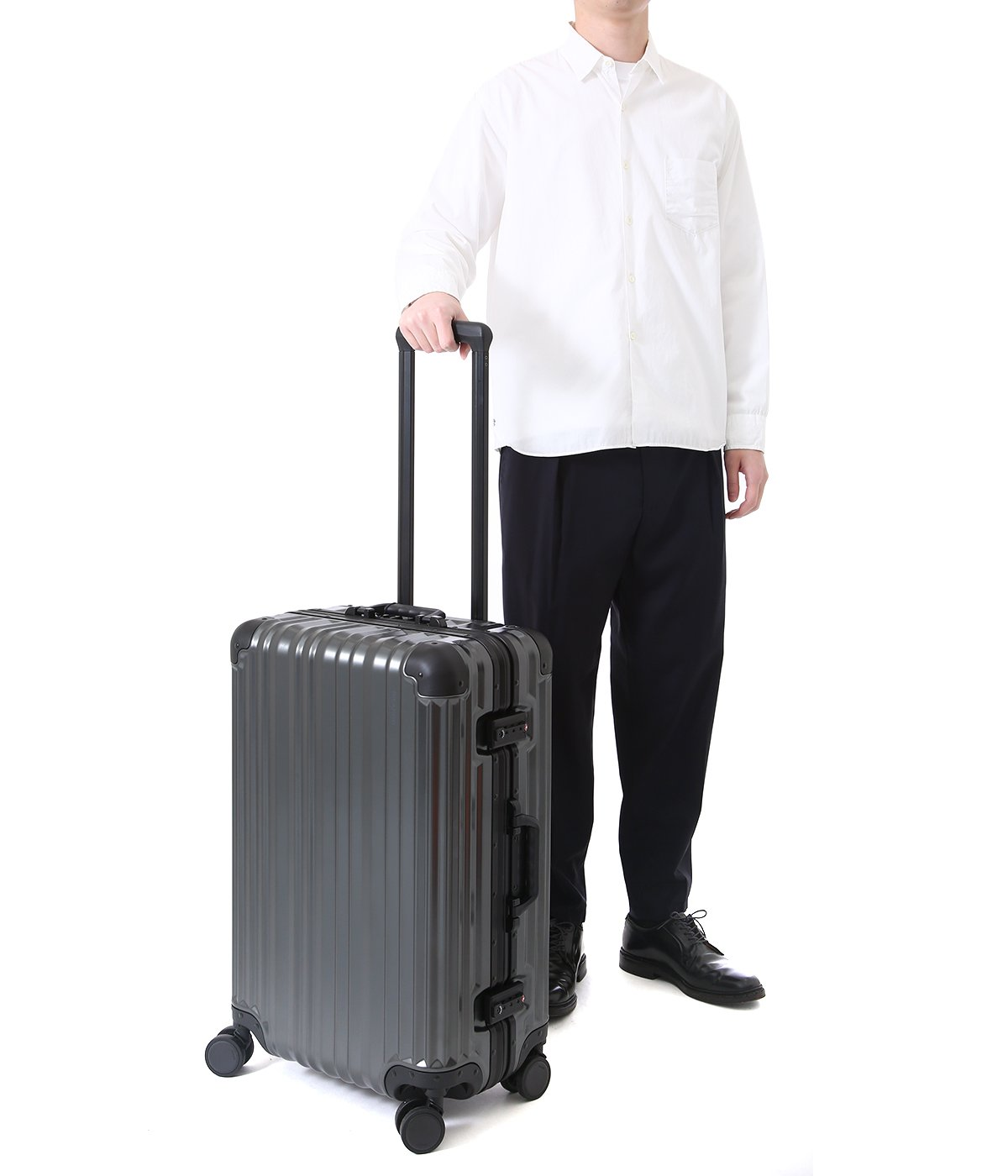 Aileron Vault 24-inch Spinner Suitcase
