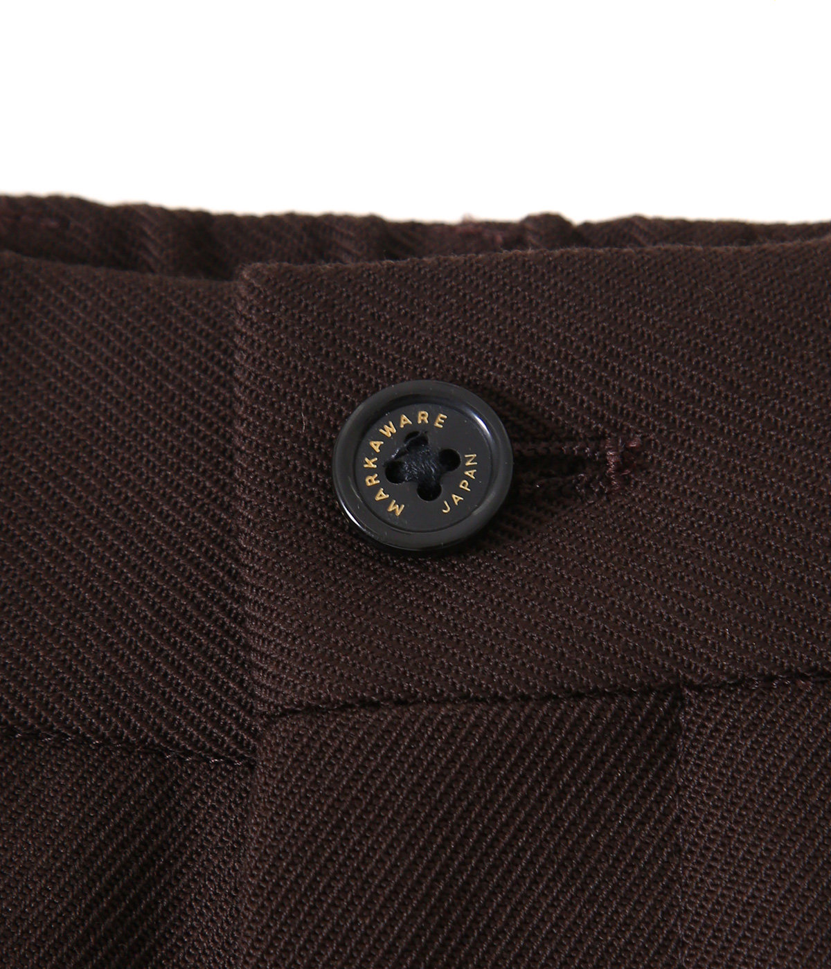 PLEATED FRONT PEGTOP