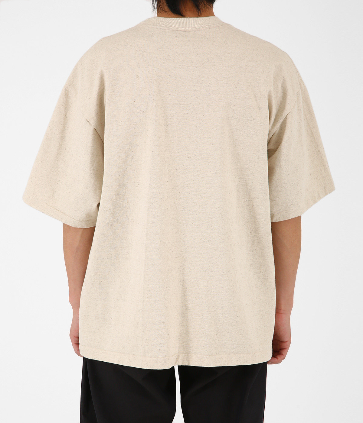 STAND-UP TEE
