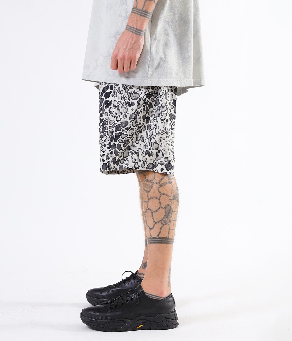 TILE LEOPARD COTTON SLAB WIDE SHORTS