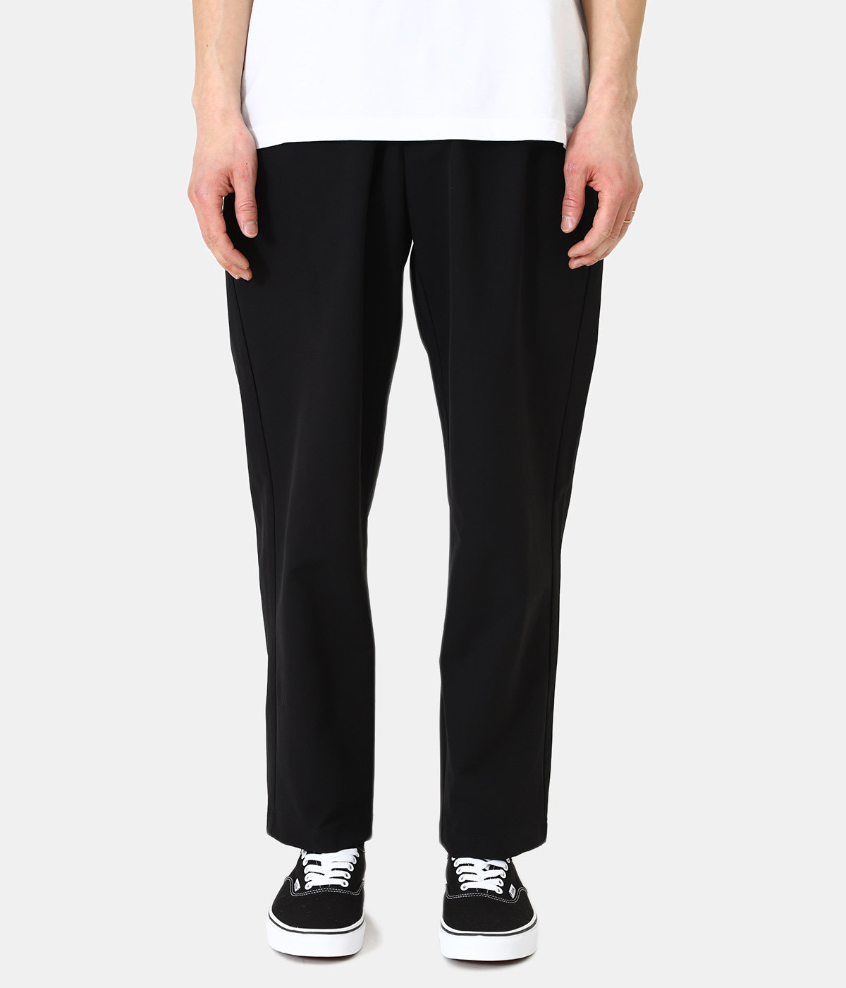 One Tuck Tapered Stretch Pants