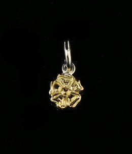18K GOLD ROSE PENDANT, SMALL