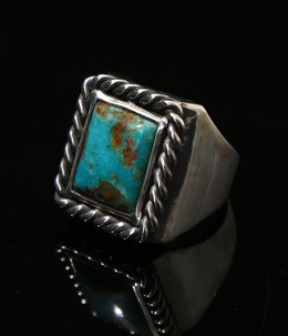 SQUARE TURQUOISE RING 18K BACK POINT