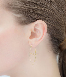【レディース】Gossamer Floating Diamond Bar Oval Earring M(ピアス)