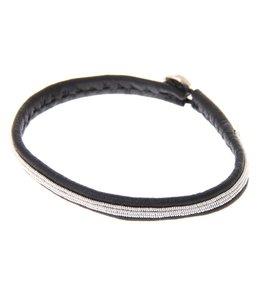 Very narrow pewterembroidered leatherbracelet silverbutton