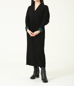 【レディース】Embroidery Cuffs V-Neck Dress