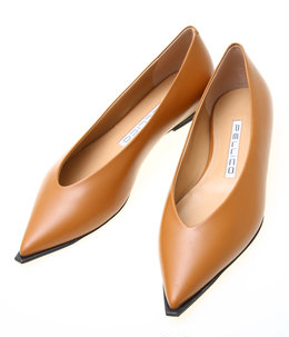 POINTED WIDE EDGE PUMPS FLAT